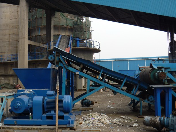 conveyor belt combine with shredders