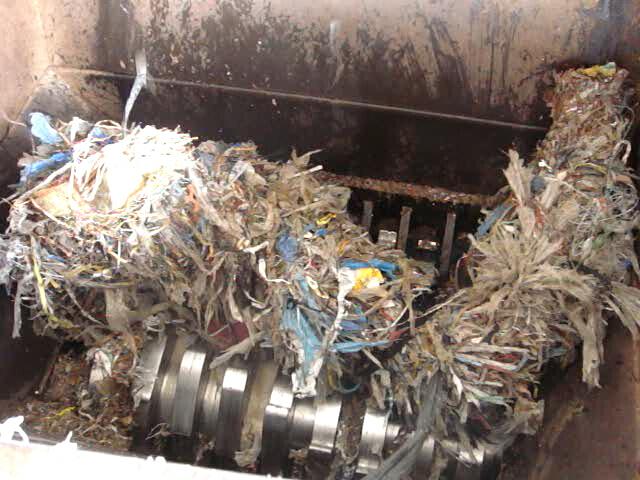 paper shredder oil Oil for shredder (55 items found) oil-free cross-cut shredder shreds paper, staples, credit cards, paper clips, and cds 30 ft/min shred speed 28290 $2,82900.